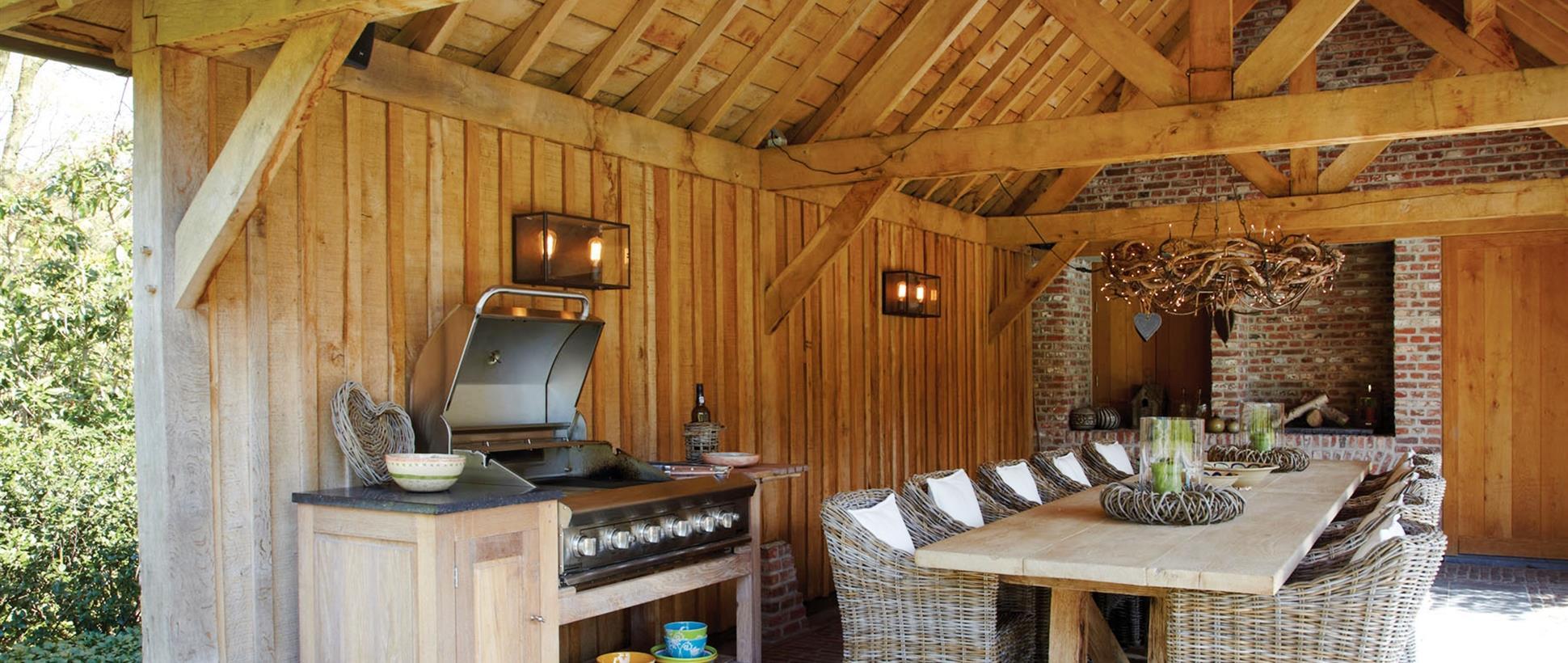 outdoor kitchens dining rooms oak designs co. Black Bedroom Furniture Sets. Home Design Ideas